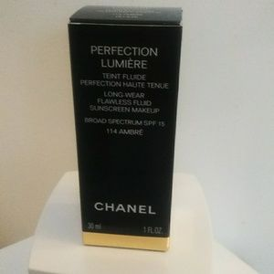 Chanel Perfection Lumiere Liquid Foundation